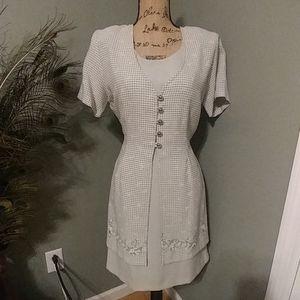 Vintage dress, Basic editions